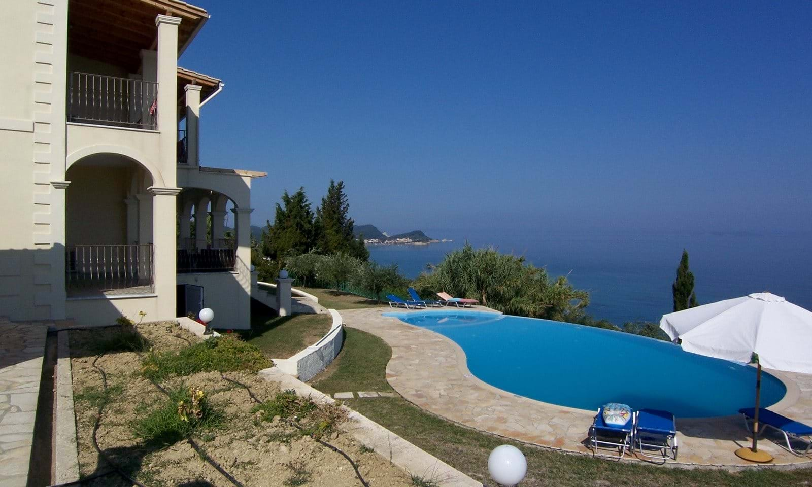 Luxury seaside villas for sale in Greece