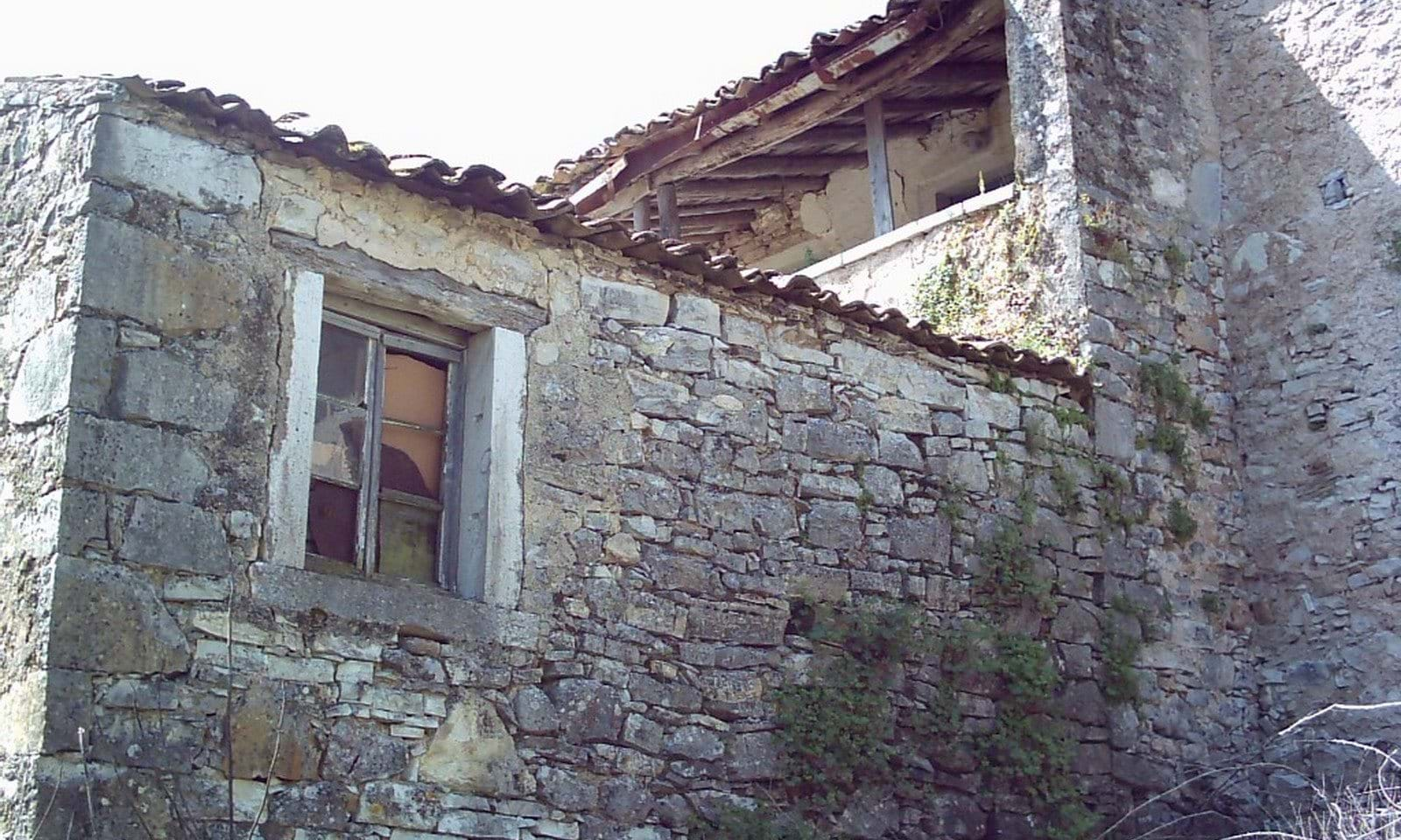 house to renovate in corfu