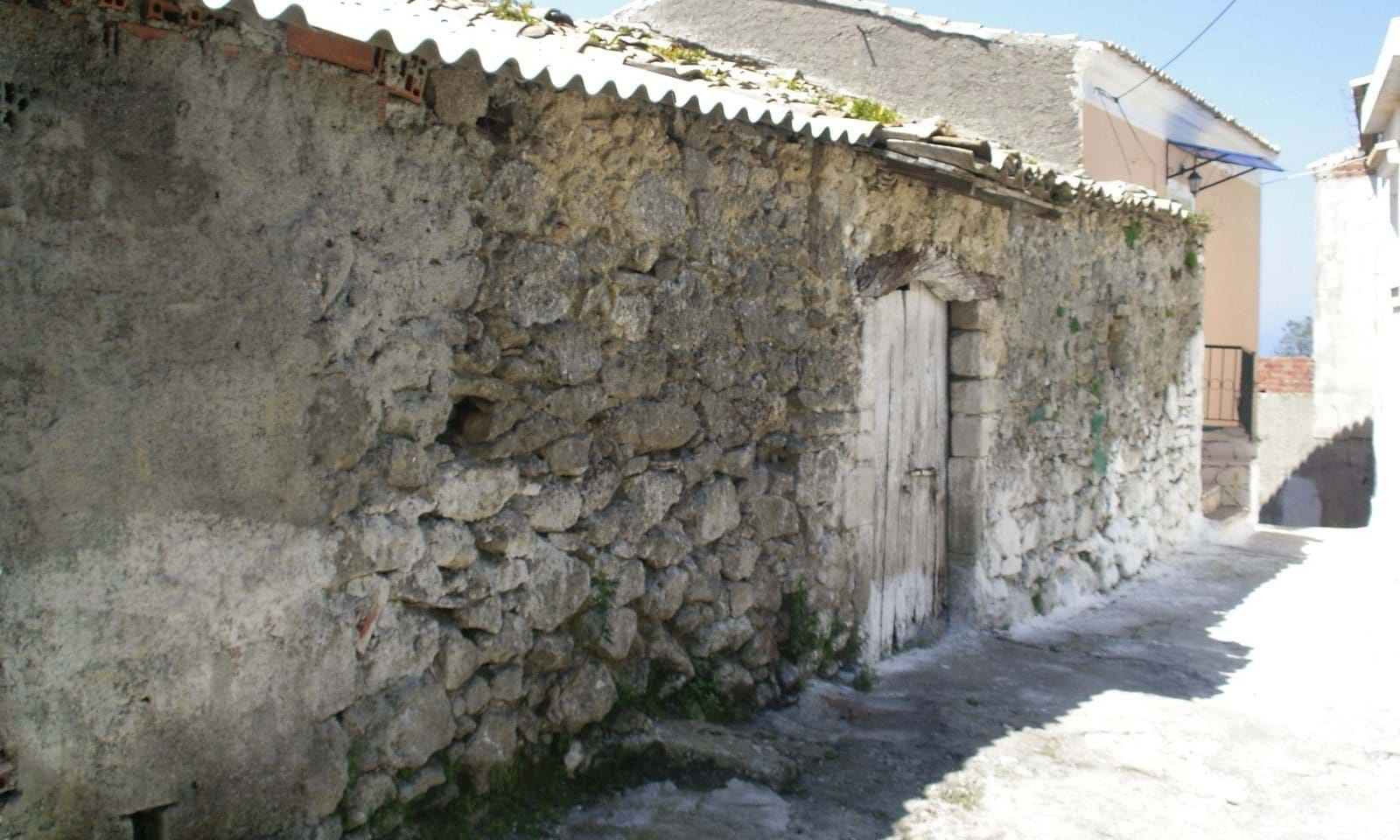 Stone barn for renovation north Corfu