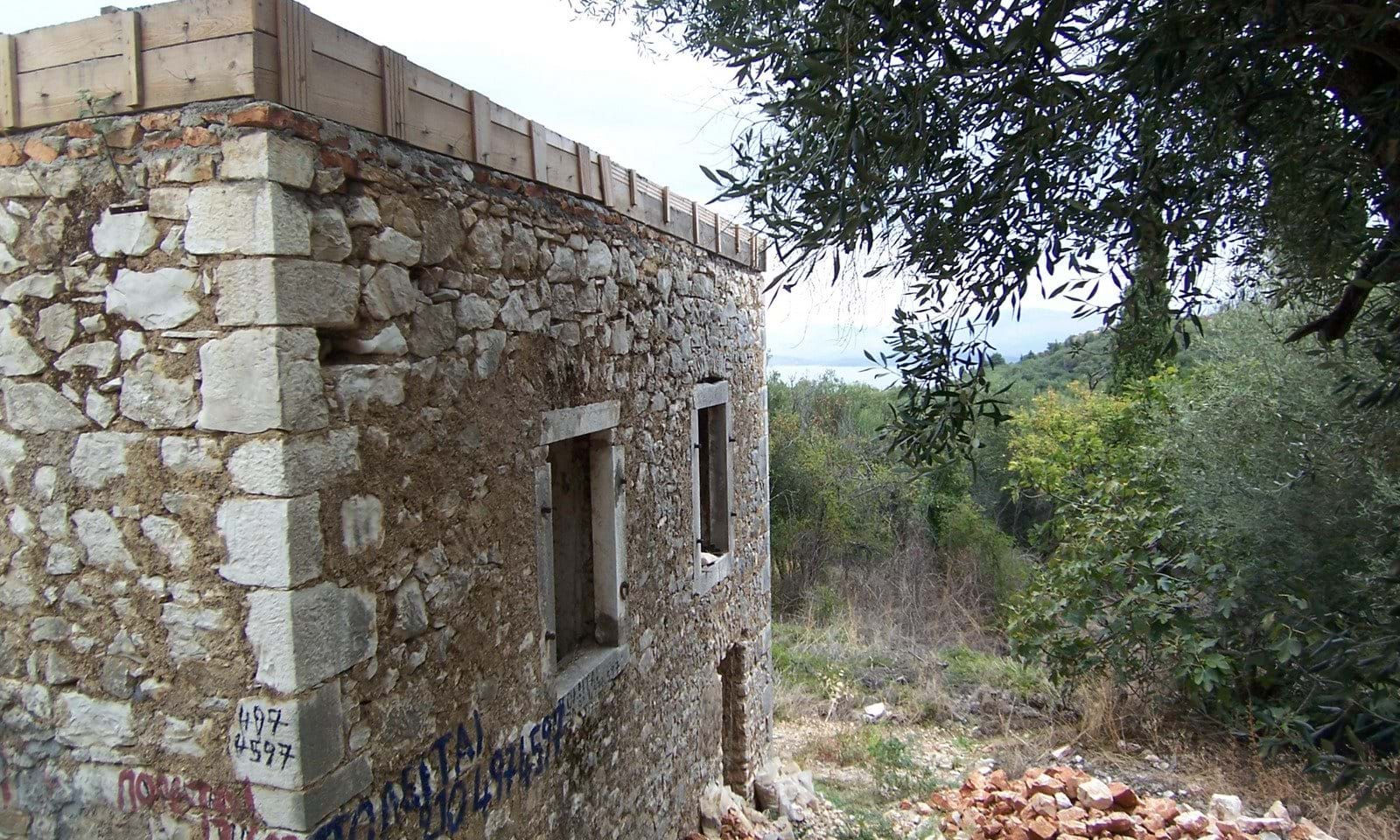 Stone house for renovation north Corfu
