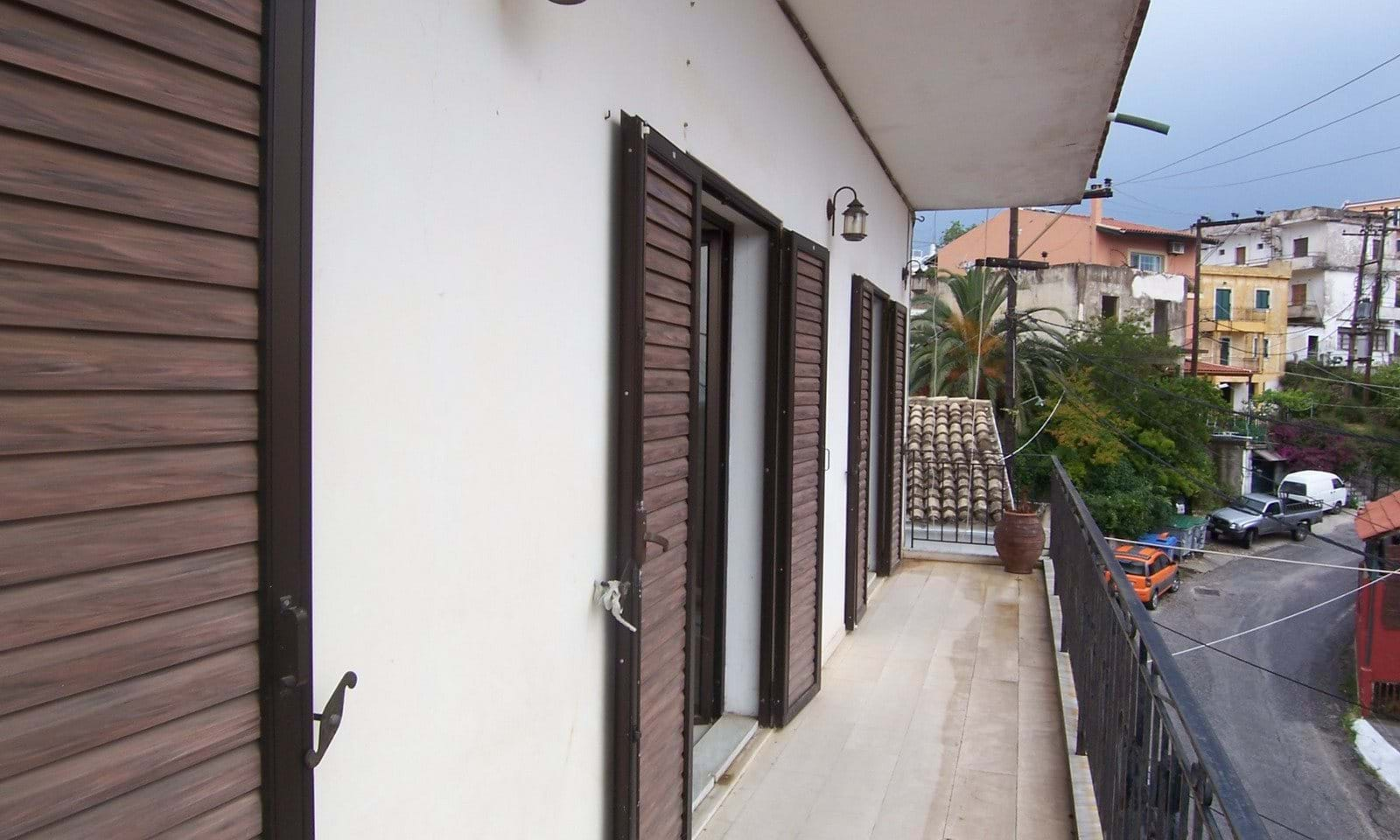 Apartment in Pelekas for sale