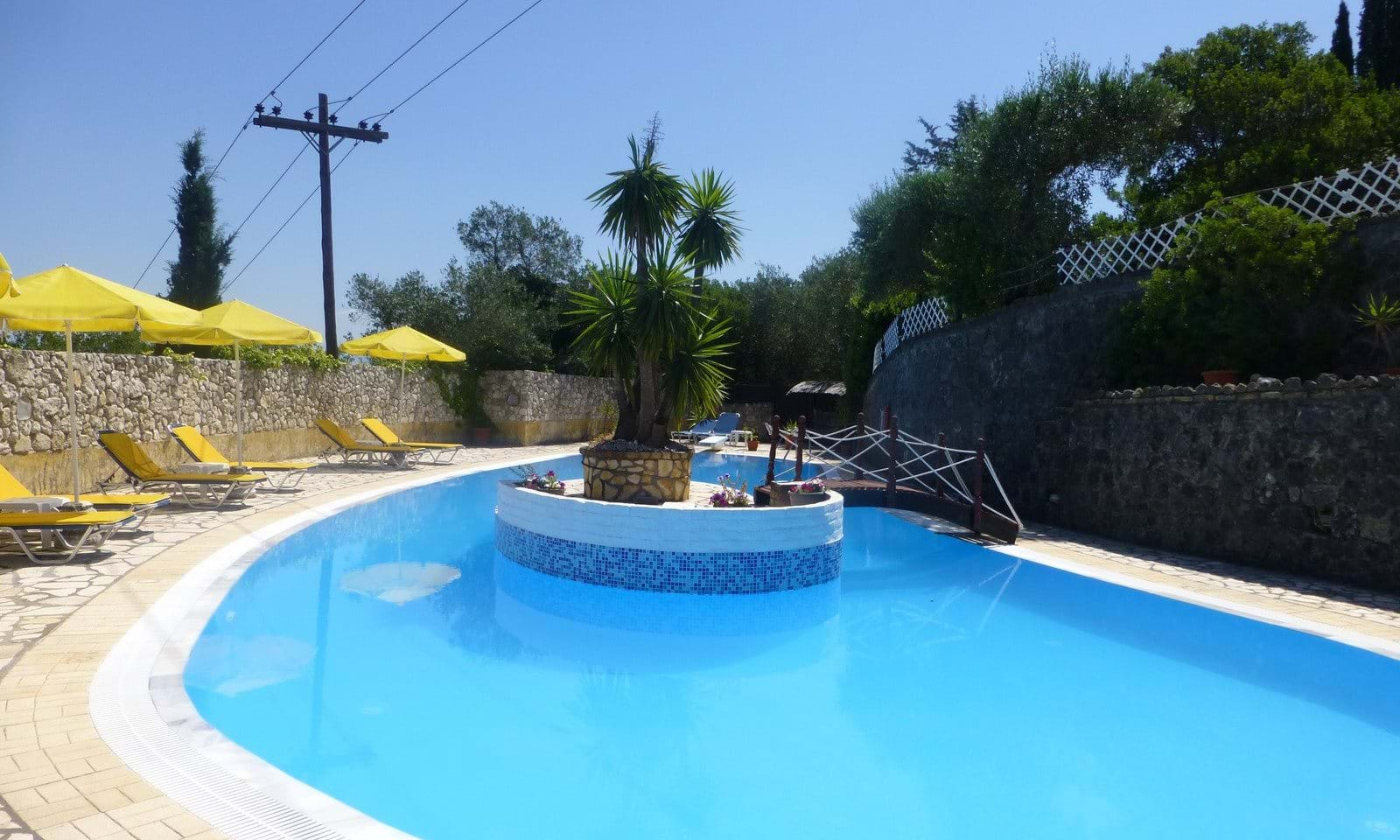Villas and houses with pools in Corfu
