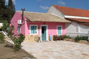 PINK ROSE COTTAGE, Peroulades