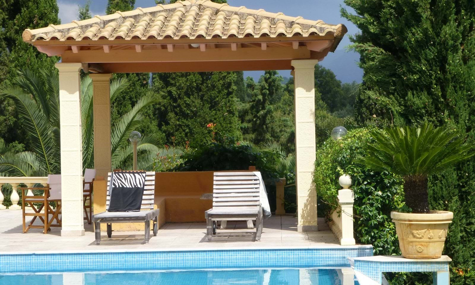 Luxury villas for sale near Gouvia Marina
