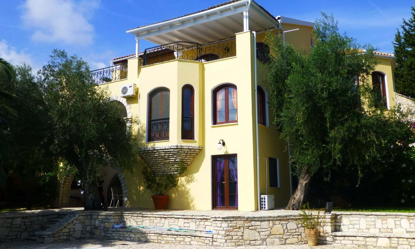 Villa Ionia in central Corfu