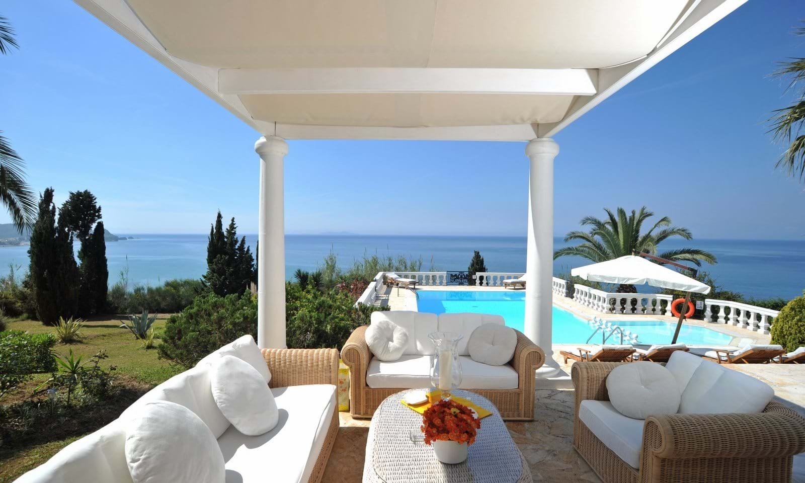 Luxury property by the sea in Corfu