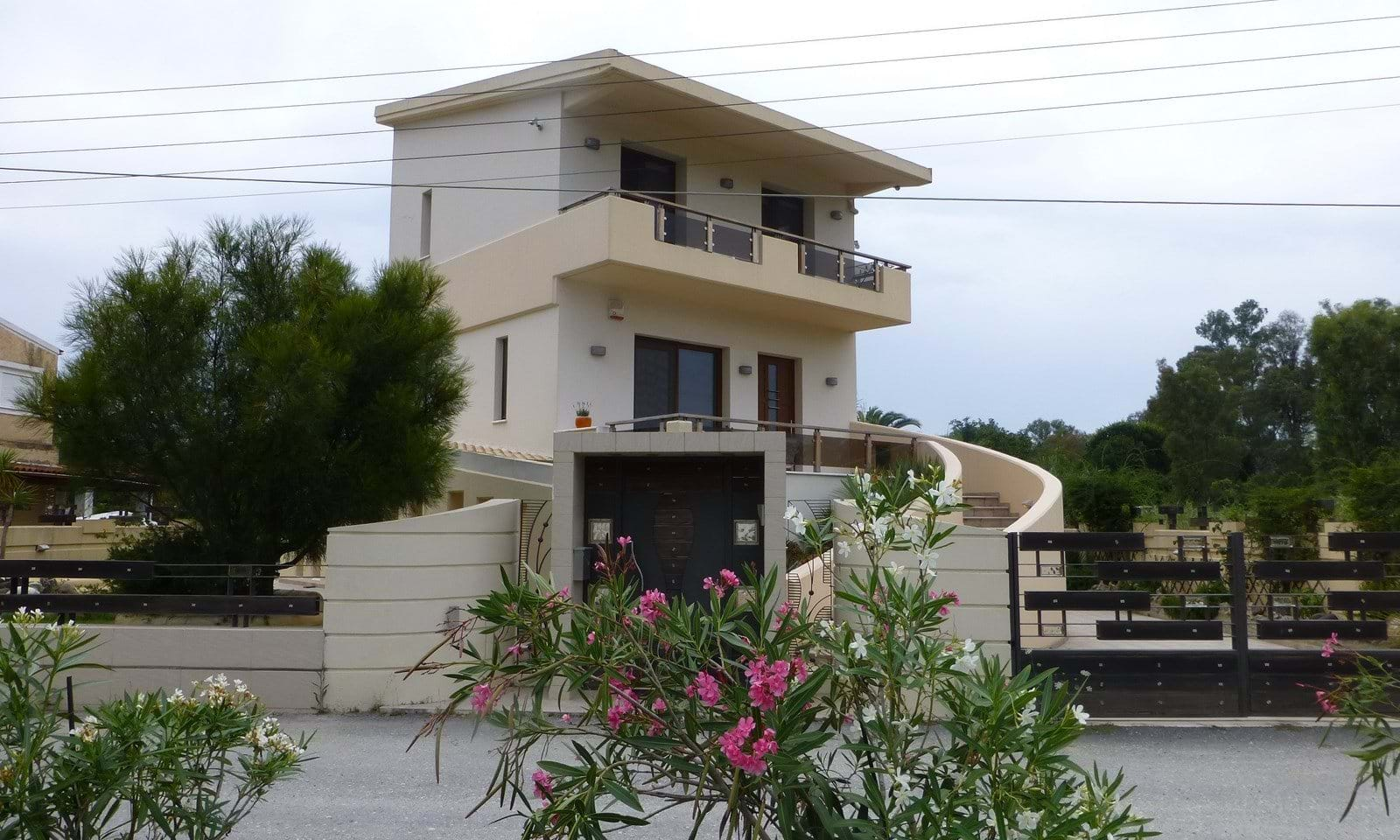 Villas for sale near the sea in Corfu