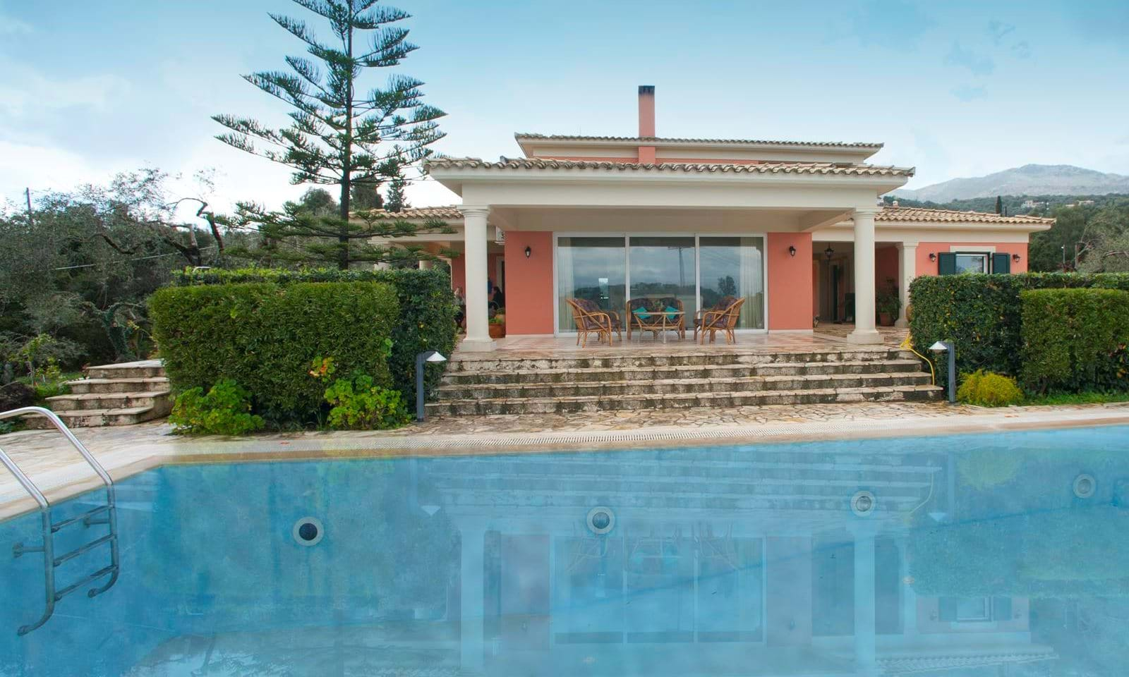 Luxury villa for sale in Kassiopi Corfu