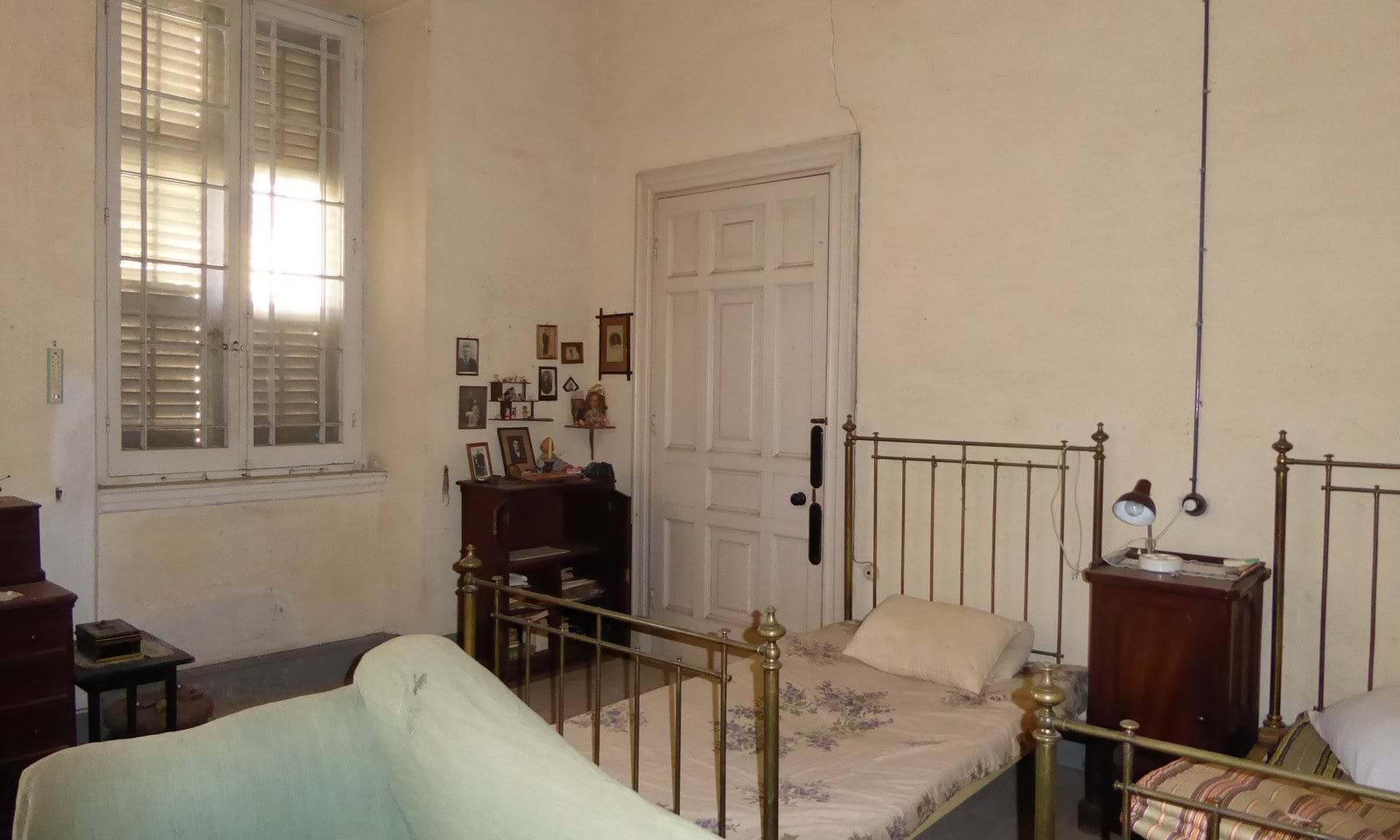 Property in need of renovation in Corfu town