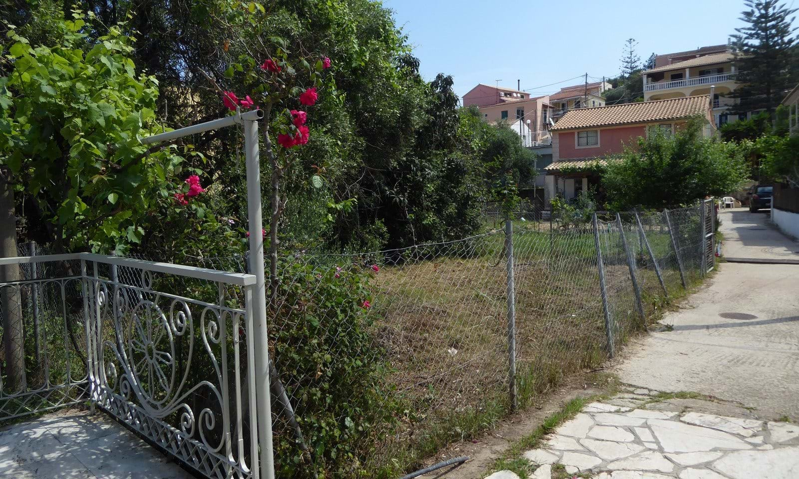 Building land in the centre of Kassiopi