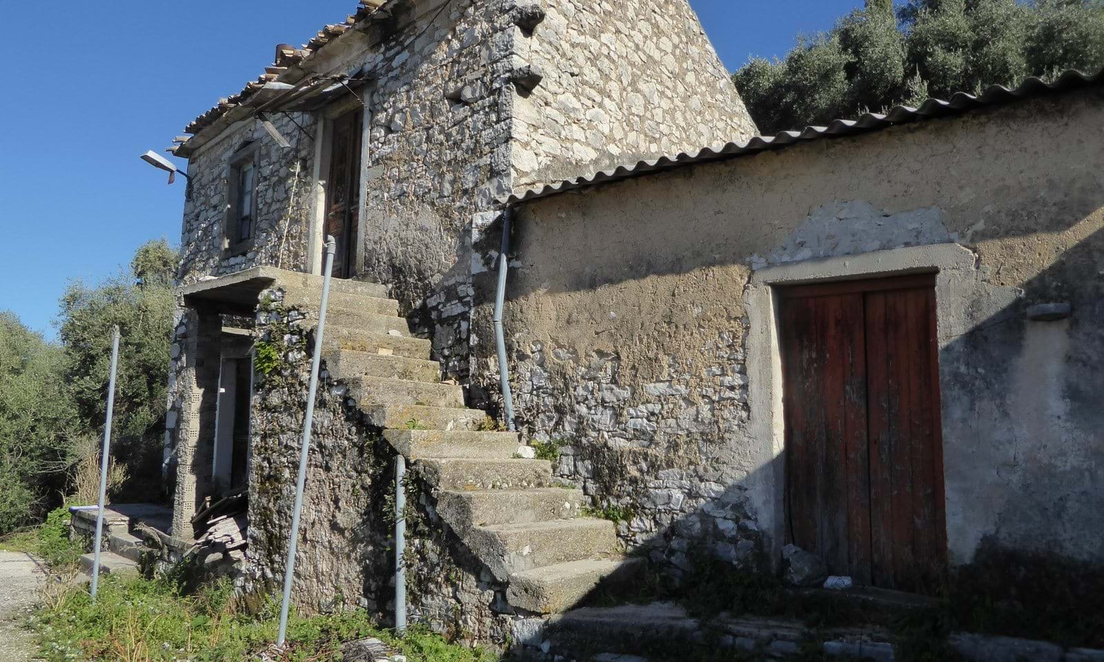 Stone house for sale in Strongili Corfu