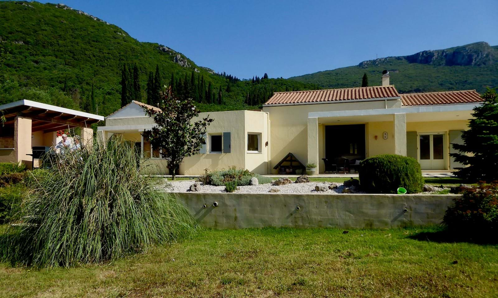 Beautiful 200 sqm house for sale, real estate market i greece
